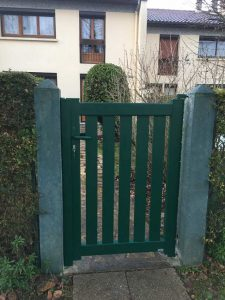 Pose d'un portillon vert