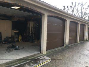 Réalisation porte de garage sectionnelle